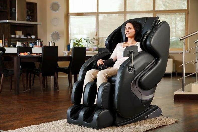 Мягкая мебель из кожзаменителя: стоит ли ее покупать?