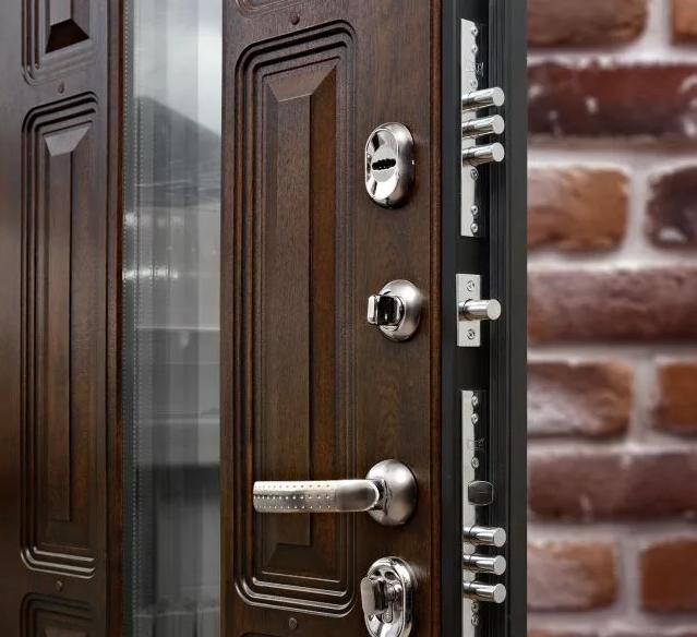 Стальные входные двери и то, какими они могут быть.