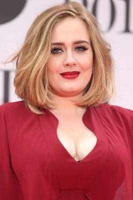 Певица Адель так сильно похудела, что поклонники начинают волноваться