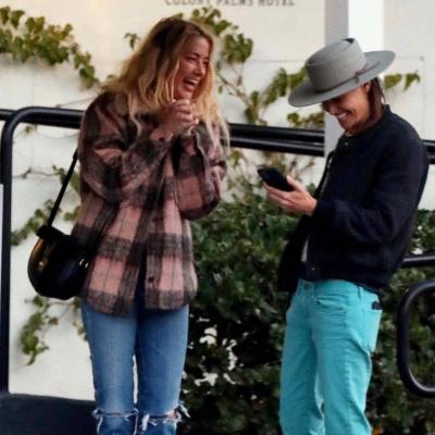 Бывшую жену Джонни Деппа застали за поцелуями с женщиной