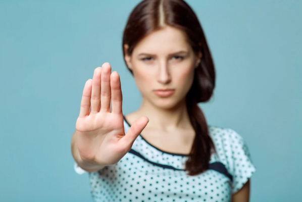 По следам Регины Тодоренко. Почему все обсуждают домашнее насилие и верят в мифы о нем?